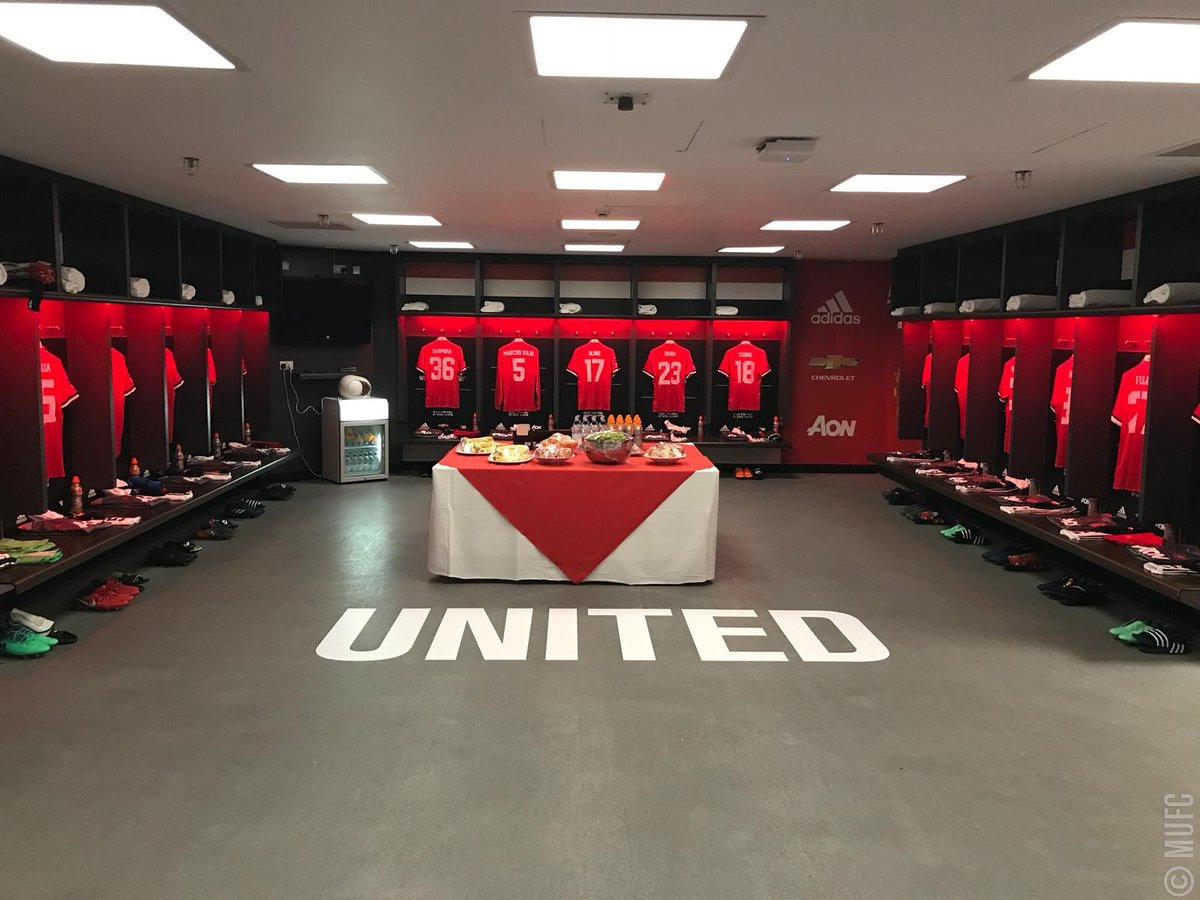 Inside the #MUFC dressing room at Wembley 👀  Where are you watching today's #EmiratesFACup semi-final?
