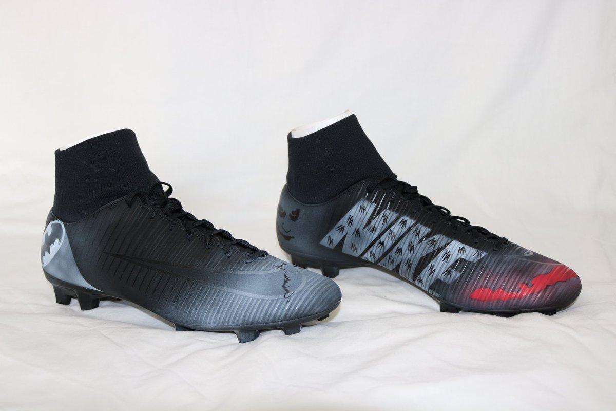 Los botines Nike Mercurial Victory IV TF son ligeros e