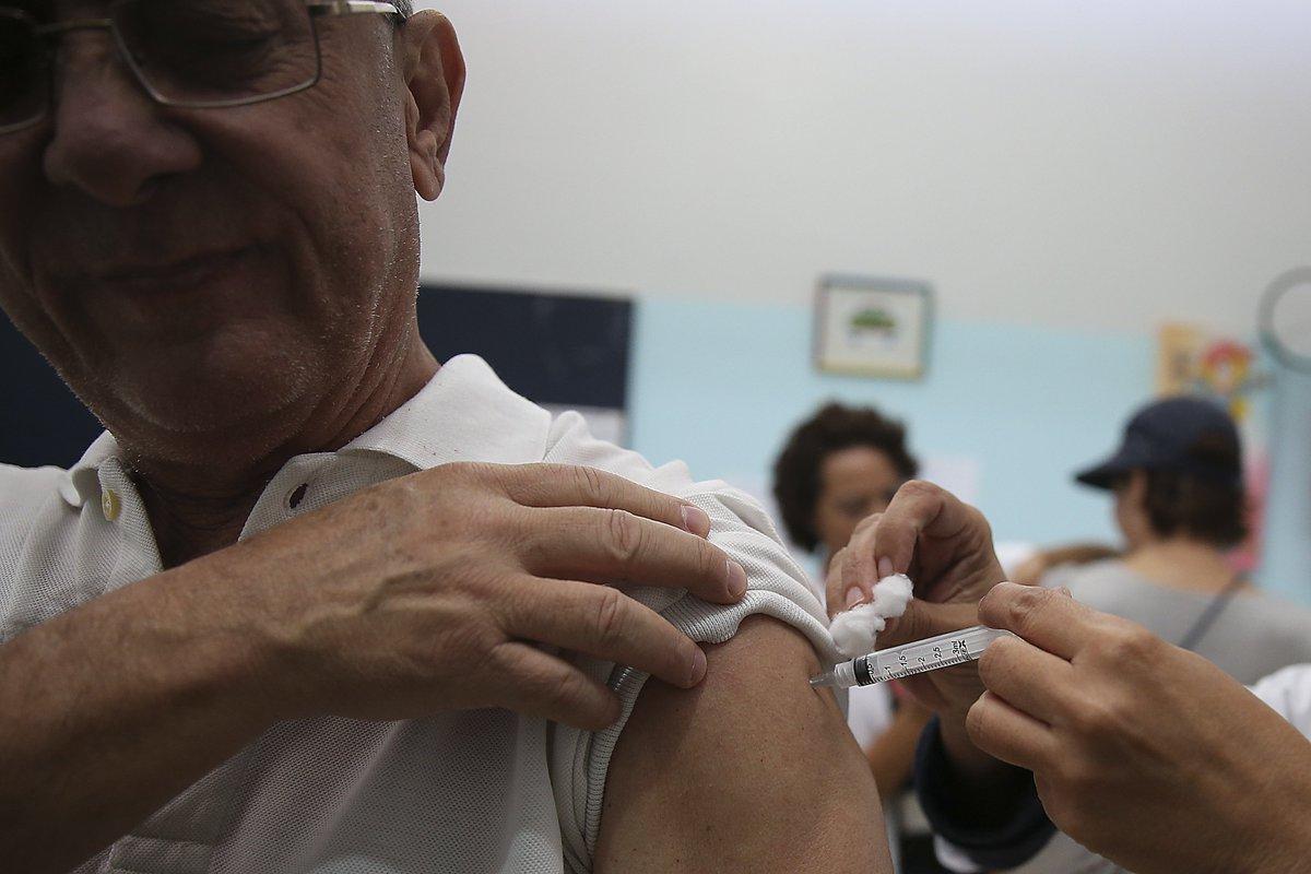 Com foco na imunização de crianças, gestantes e idosos, a Campanha Nacional de Vacinação contra a gripe começa nesta segunda-feira (23). Para o ministro da @minsaude, Gilberto Occhi, é imprescindível a participação de toda a população brasileira: https://t.co/z3pFE88glI