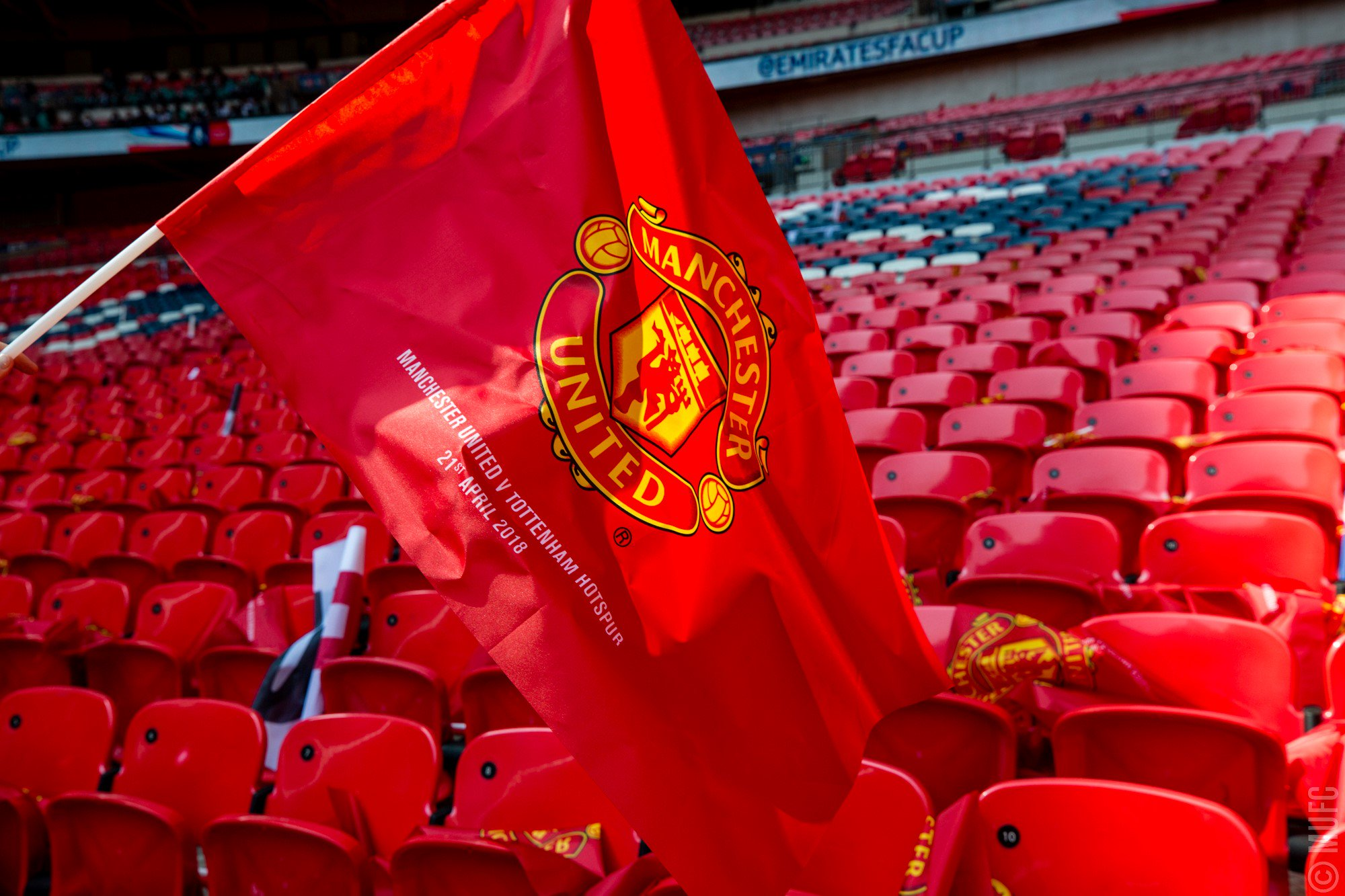 Let's keep the red flag flying high today, #MUFC!   Who's excited? #EmiratesFACup https://t.co/1iS2KwHFdI