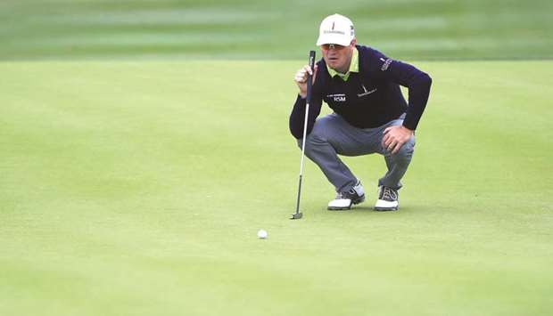 #Johnson, #Moore in joint Texas Open lead   http://www. gulf-times.com/story/589825  &nbsp;  <br>http://pic.twitter.com/MDjjMQfurm
