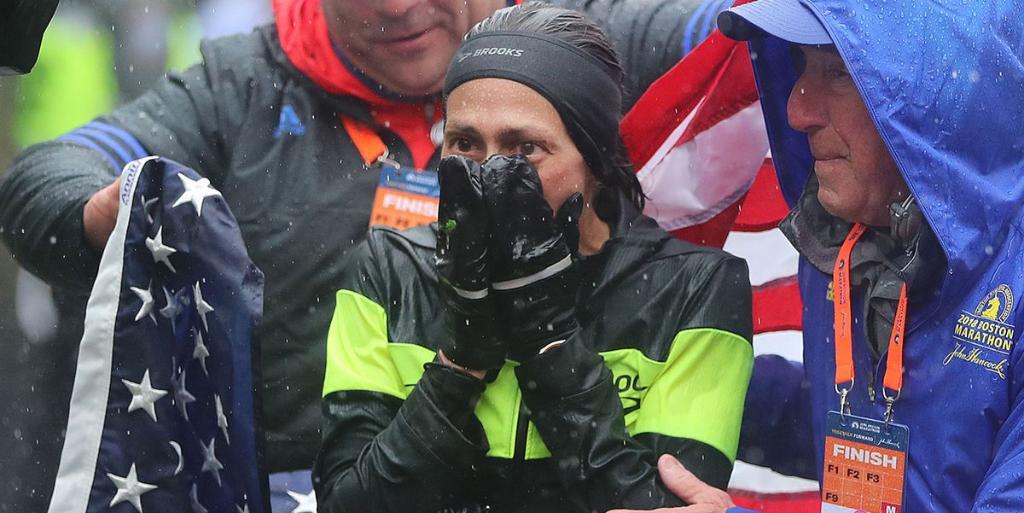 How @des_linden won the #BostonMarathon in horrible weather: spr.ly/6013Dw7x9