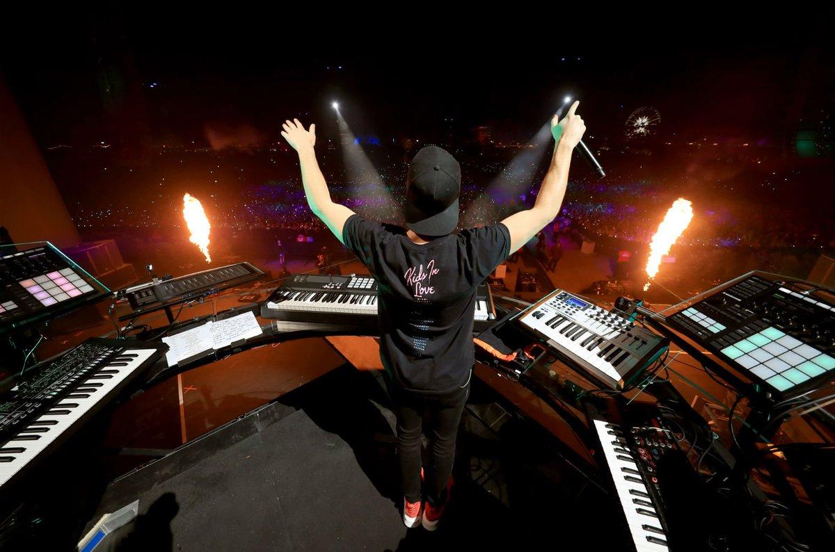 Kygo Closes Coachella Set with Avicii Re...