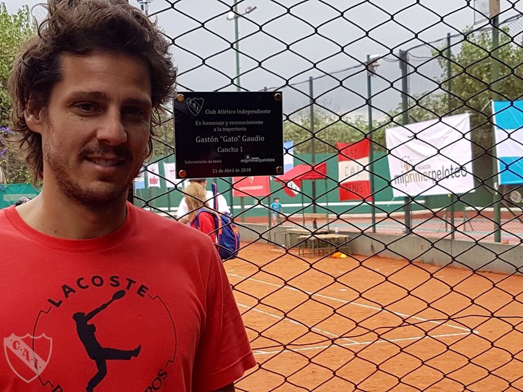 Reconocimiento a Gaudio y jornada de tenis solidaria