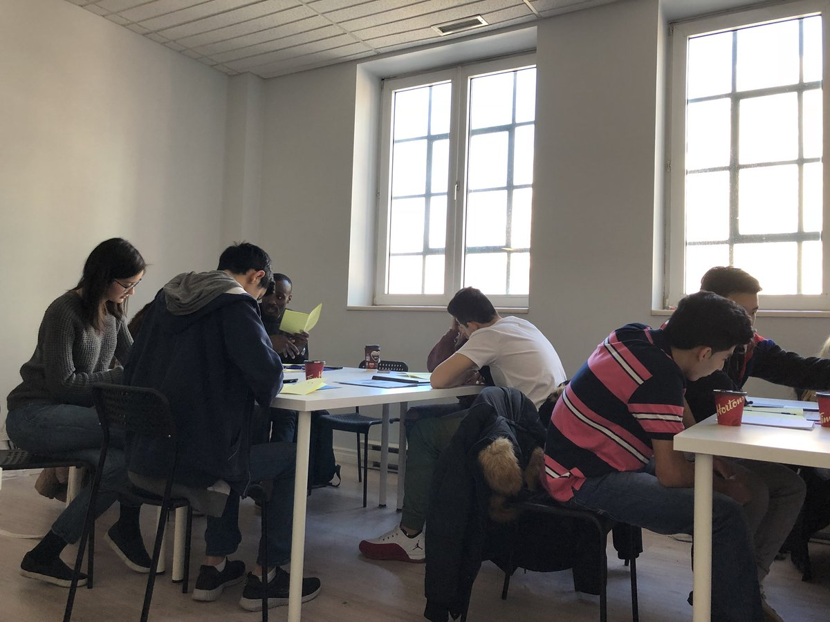 test Twitter Media - We now give our free language classes at the Refugee Centre of Montreal. Their space and technology will allow us to welcome more students starting next month.  We are happy to continue on growing 💚💙💛❤️ https://t.co/x6X2cJ09pD