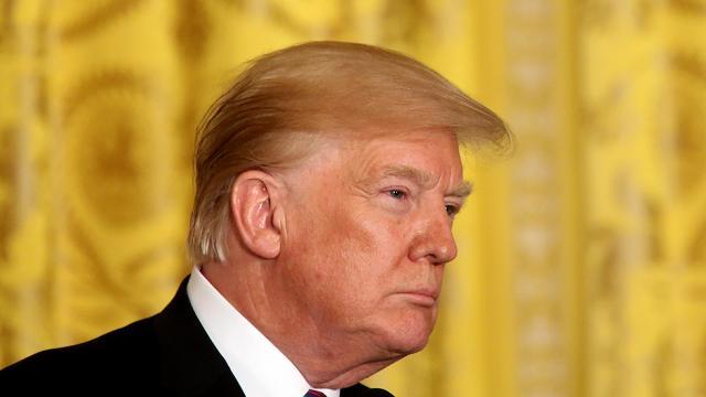 Trump breaks tradition, invites no Democ...