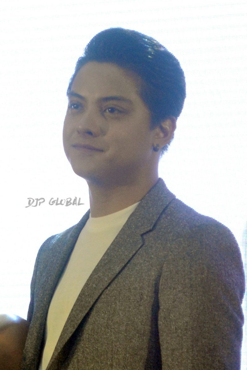 @imdanielpadilla at the Vivo V9 Mall Tou...