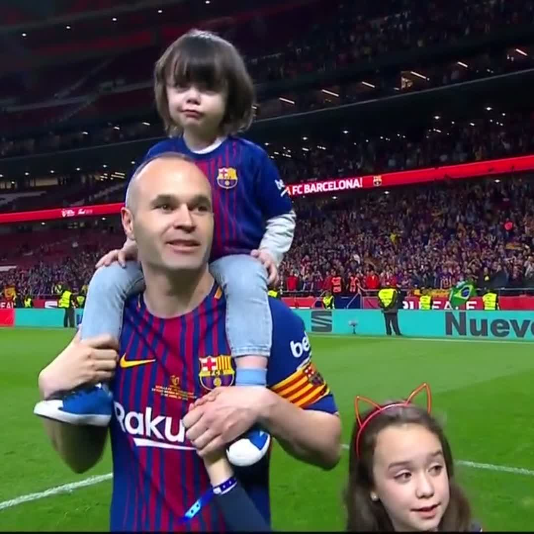 �� Led by example as always. ❤ Proud of our captain! �� @andresiniesta8 https://t.co/2Ij42Bbovz