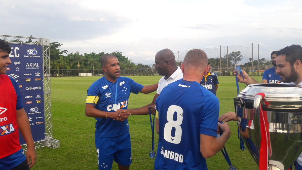 Time do Leandro, campeão do Torneio do s...