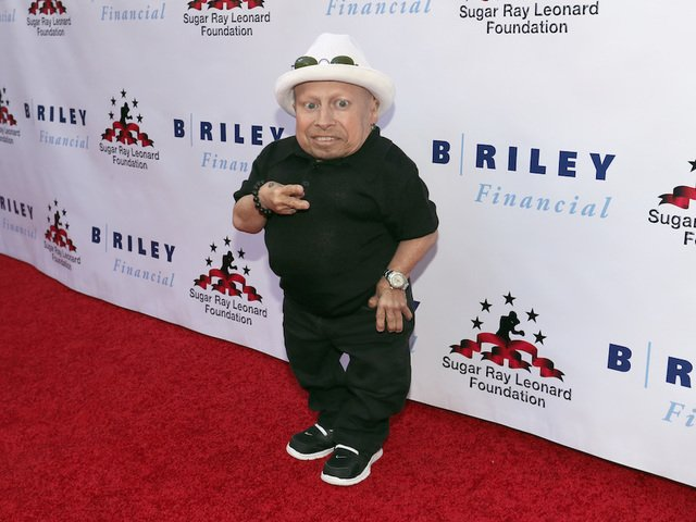 "#BREAKING: Verne Troyer, who portrayed ""Mini-Me"" in the Austin Powers movies, has died at the age of 49, TMZ reports. https://t.co/oVbpkIZAmO #Denver7"