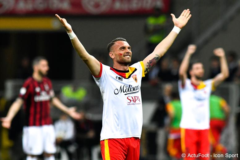 🕘 TERMINÉ !  MILAN  0-1  BENEVENTO  Incroyable ! Le Milan AC s'incline à San Siro face à Benevento, qui a joué les quinze dernières minutes à dix suite à l'expulsion de Cheick Diabaté ! Première victoire à l'extérieur en Serie A de son histoire pour Benevento. 👏