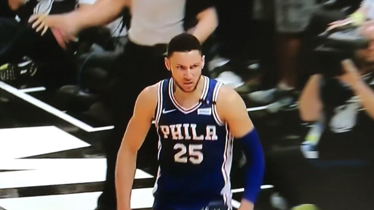 Love #MadBen  Ben Simmons lookin possessed   17 points, 12 rbs, 10 assists  First Sixer with triple double in playoffs since Charles Barkley 27 years ago  #PhilaUnite