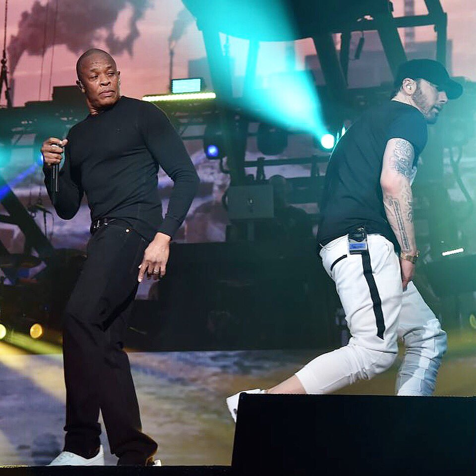 ゚メᆬ゚メᆬ゚ヤᆱ @Eminem at @coachella is now on the #WhoolywoodShuffle @Shade45 ゚メᄄ゚メᄄ゚メᄄ Tune in!! ゚マニ @drdre ゚メᆬ゚メᆬ゚メᆬ゚ヤᆱ https://t.co/SnACT7Cr6V