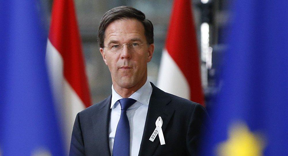 Hollanda, AK Parti'yi ülkesinde istemiyo...