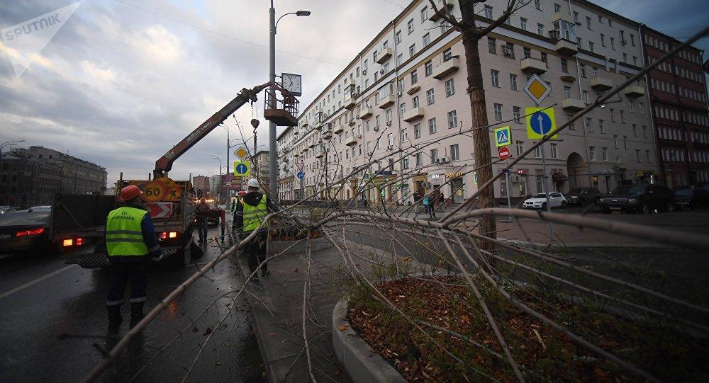 Moskova'da fırtına: 1 ölü, 17 yaralı htt...