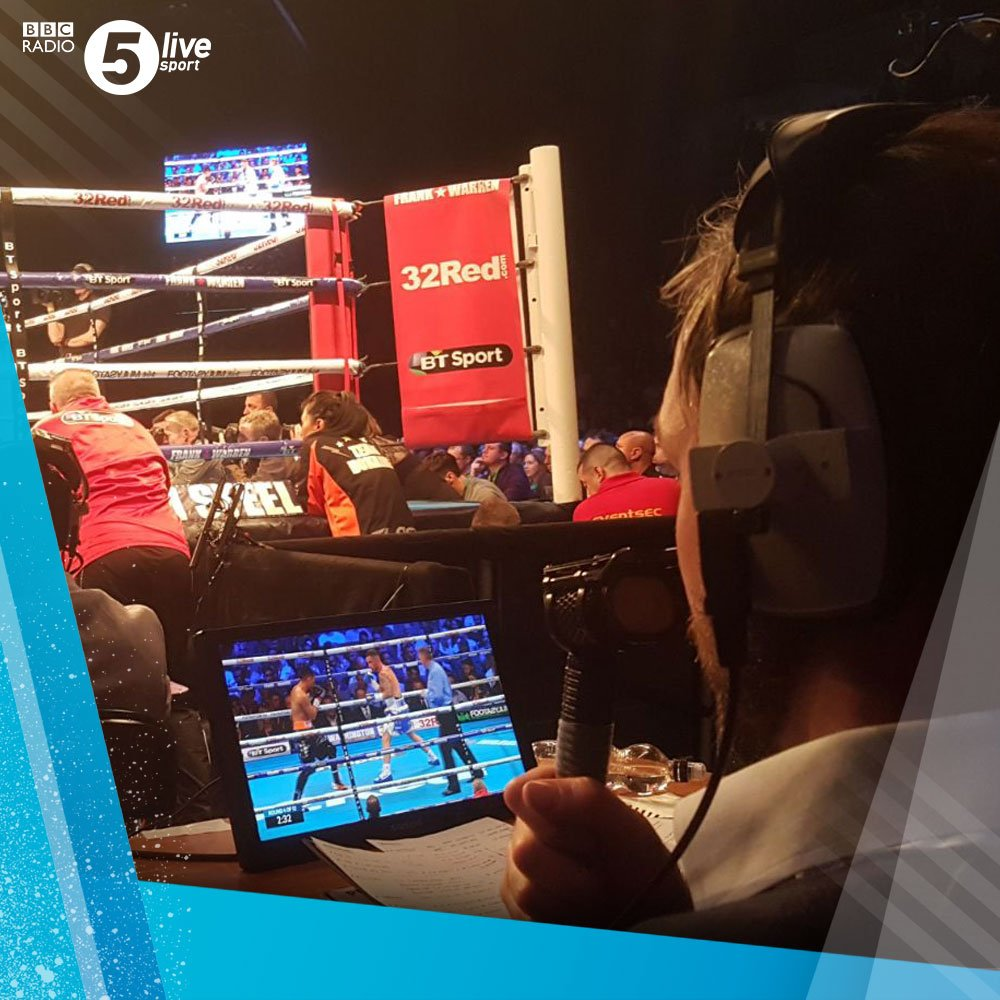 Four rounds in...  'I'm not sure how long Donaire thinks he has left. I think he's going for broke, trying to cause some dramatic effect.' - @AndyLeeBoxing  #FramptonDonaire 📝 & 📻: https://t.co/WztjAYGk0Y