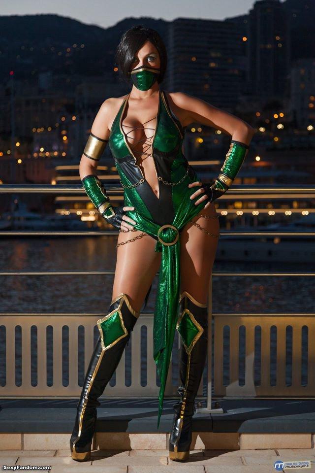 Sexy Fandom: Mortal Kombat Jade looks so good! https://t.co/yBxSkmp6OQ...