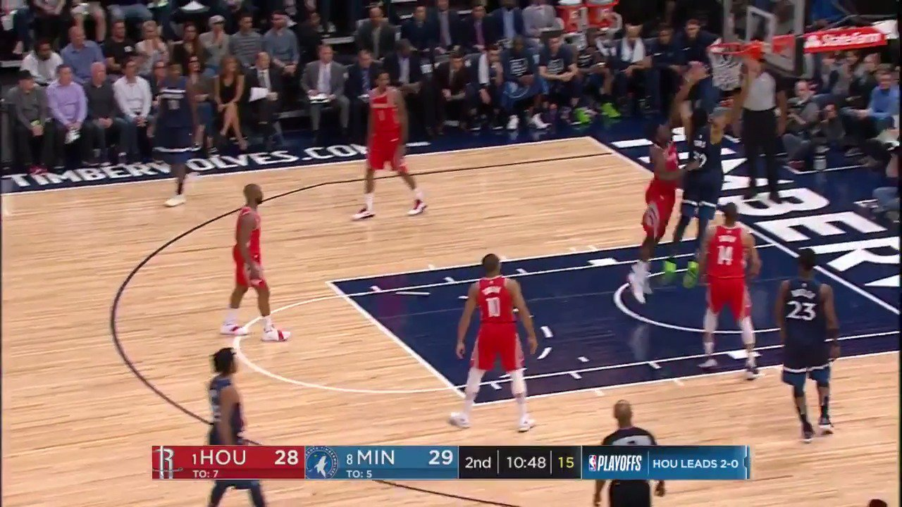 Karl-Anthony Towns gets positions and slams it home!  #AllEyesNorth have taken a 38-32 lead in Q2.  ��: @ESPNNBA https://t.co/rcLczejKHg