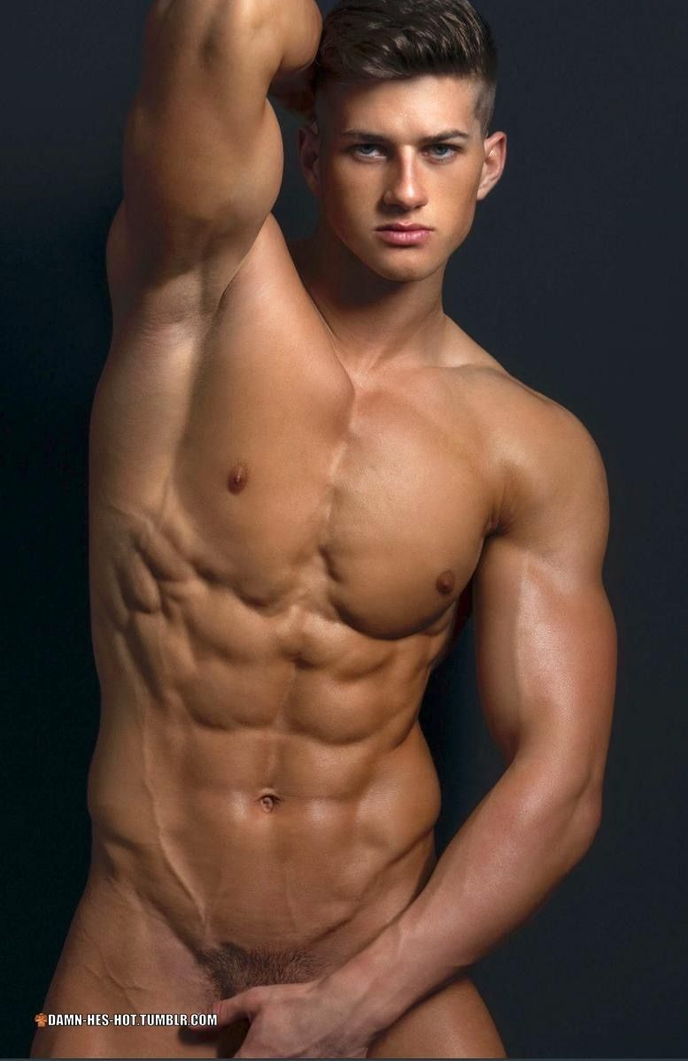naked-sexy-muscle-boy