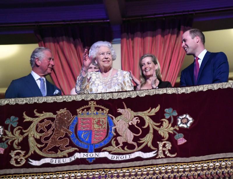 Britain's Queen Elizabeth celebrates 92 years with star-studded concert https://t.co/JmclBWIudW https://t.co/dSkh9Kk59T