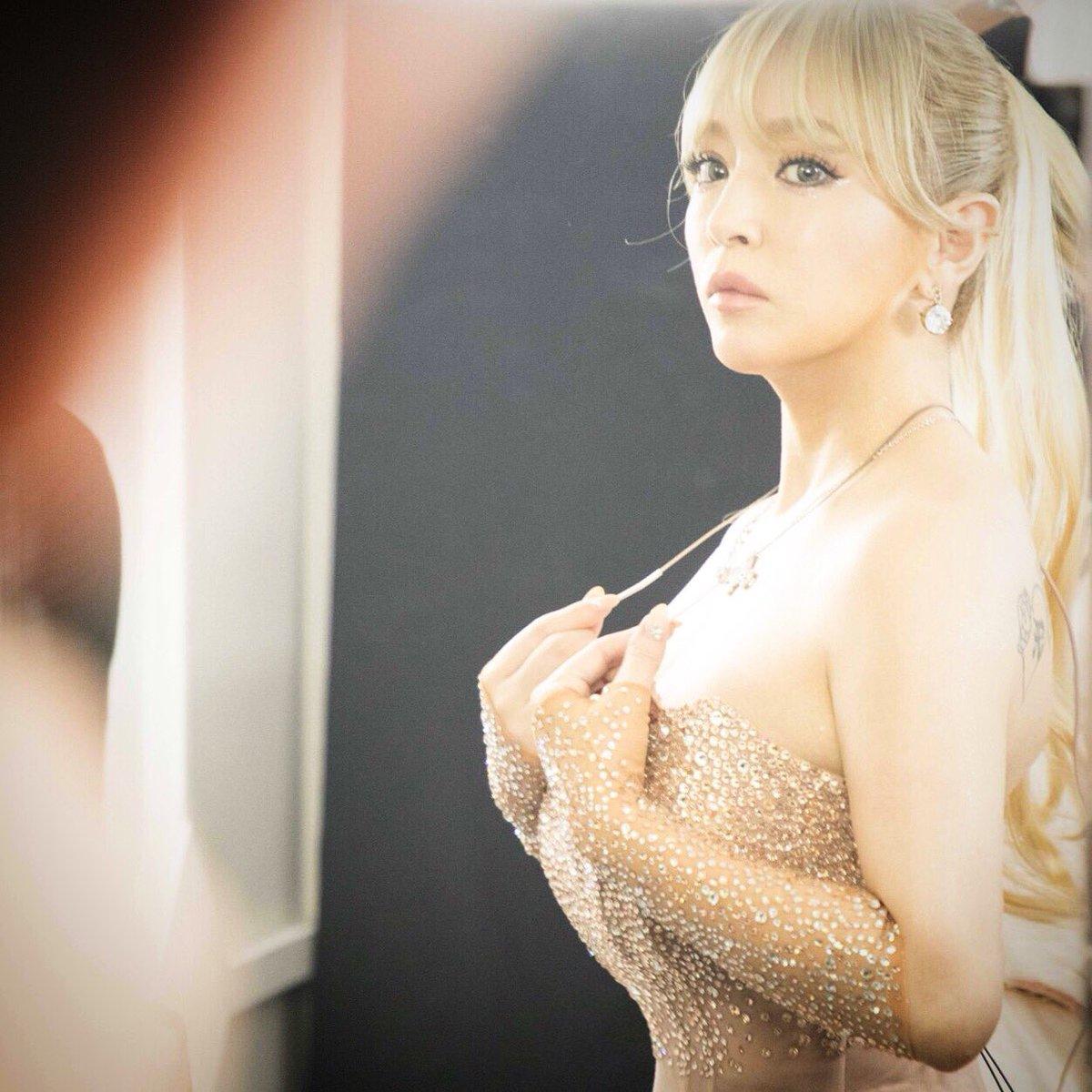 """Ayumi Hamasaki >> Mini Album """"Trouble"""" - Página 4 DbWX3BvVAAEUCkq"""