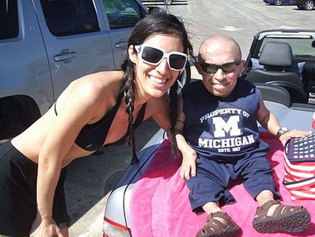 'My life with 2ft 8in sex-obsessed Austin Powers star Verne Troyer' https://t.co/ZAkQiYgUYa