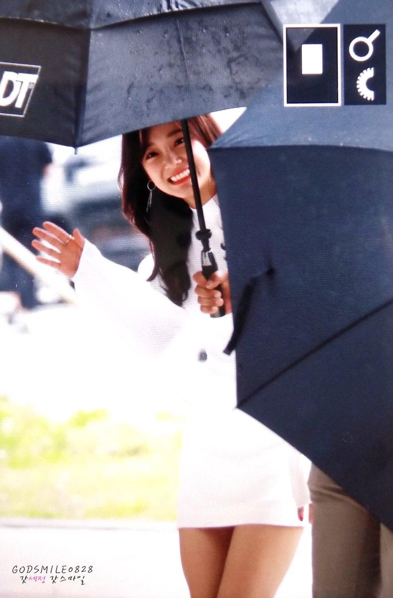 RT @godsmile0828: 180422 프로듀스48 출근 프리뷰  #김세정 #세정 #갓세정 #kimsejeong #sejeong #ioi #아이오아이 #구구단 #gugudan @gu9udan https://t.co/8tKWVv9Ngk