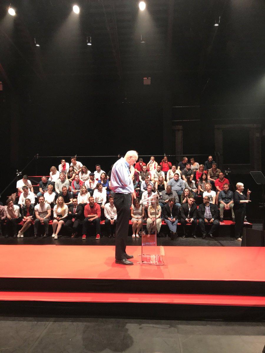 À Charleroi Danse - Congrès consacré aux élections communales et provinciales - #CharlesPicqué parle de sécurité - priorité aussi pour le @PSofficiel  #quotidienmeilleur @PSofficiel @LeilaAgic