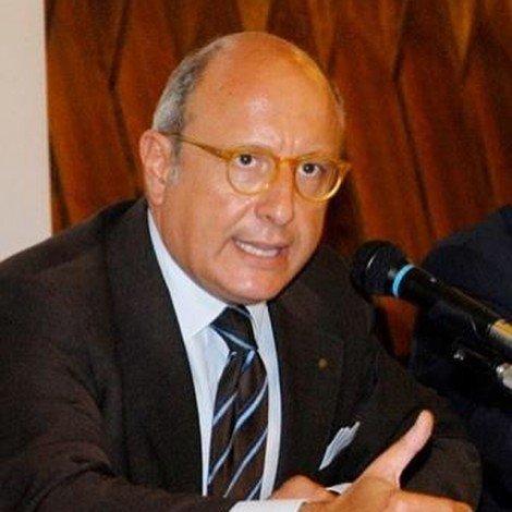 Niente stipendio dalla Regione per l'assessore Armao, pignorato dalla compagna magistrato - https://t.co/fme0YWZUdi #blogsicilianotizie