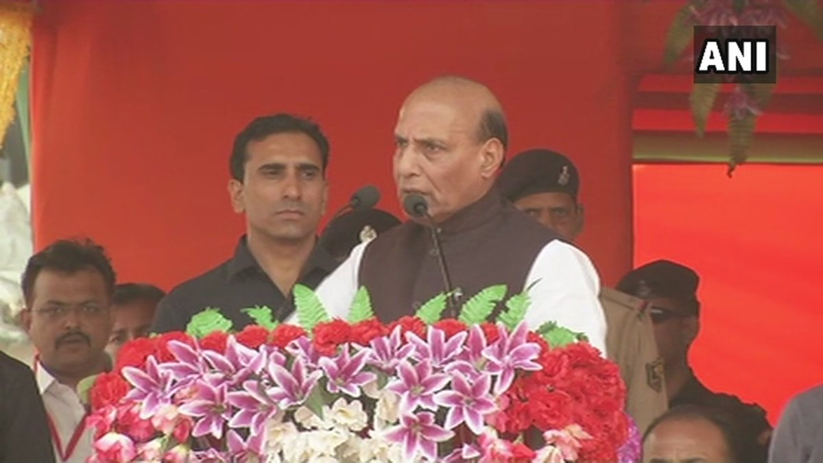 ANI quotes Home Minister @rajnathsingh from Patna: Don't divide the nation into Hindus and Muslims. If Chandra Shekhar Azad and Bhagat Singh sacrificed themselves for this nation, Ashfaqulla Khan sacrificed himself for India too