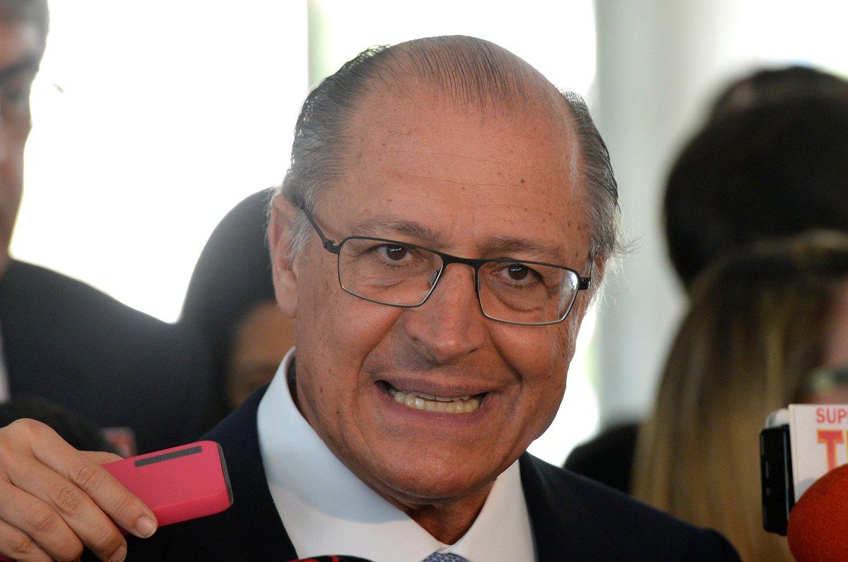 Rivais avaliam que PSDB afasta eleitor de Geraldo Alckmin https://t.co/zEd4iy0yYZ