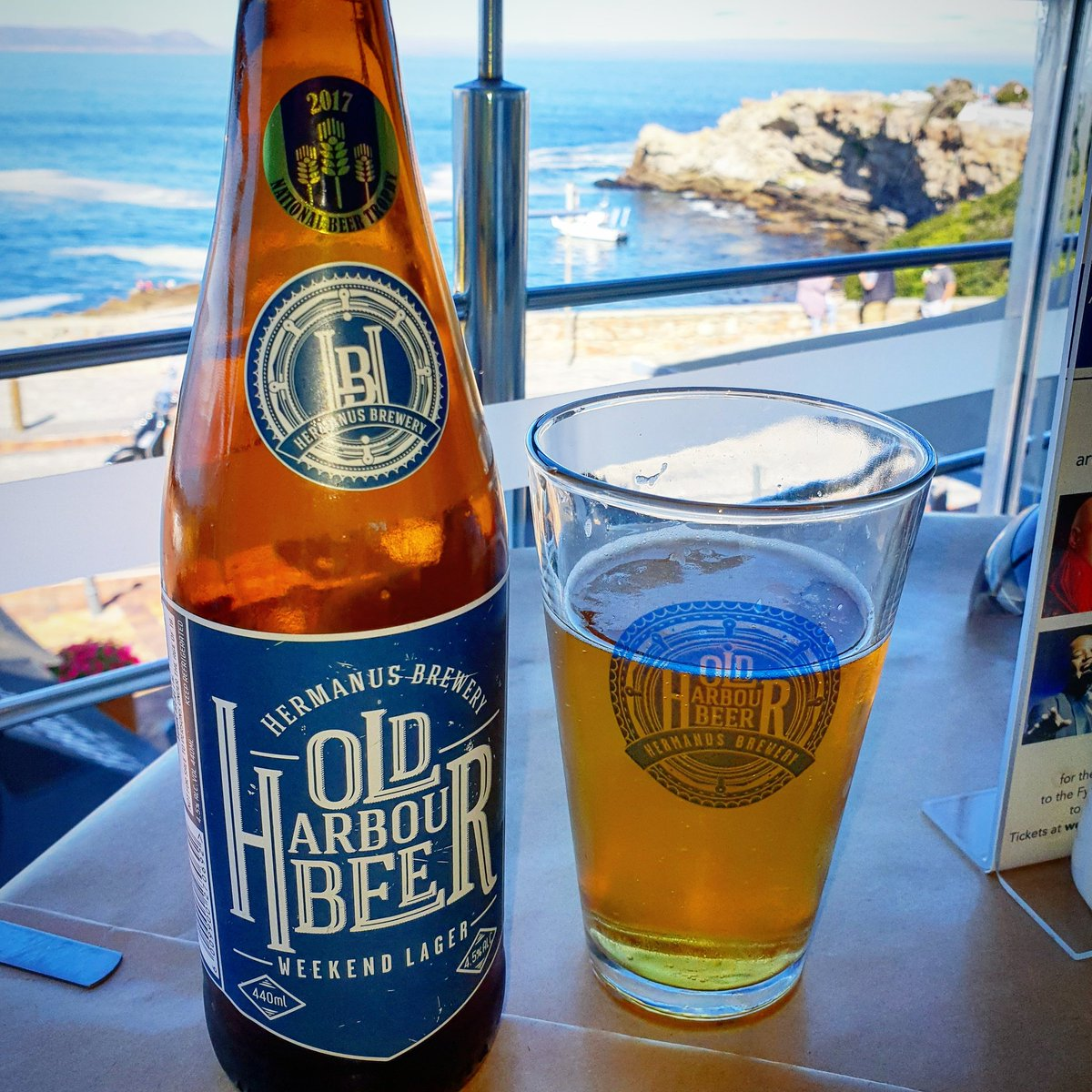 Great way to end a great weekend away  #Cheers #CraftBeer #Hermanus #HermanusBrewery #SundayLunch #SundayFunday<br>http://pic.twitter.com/JsARDoQz0P