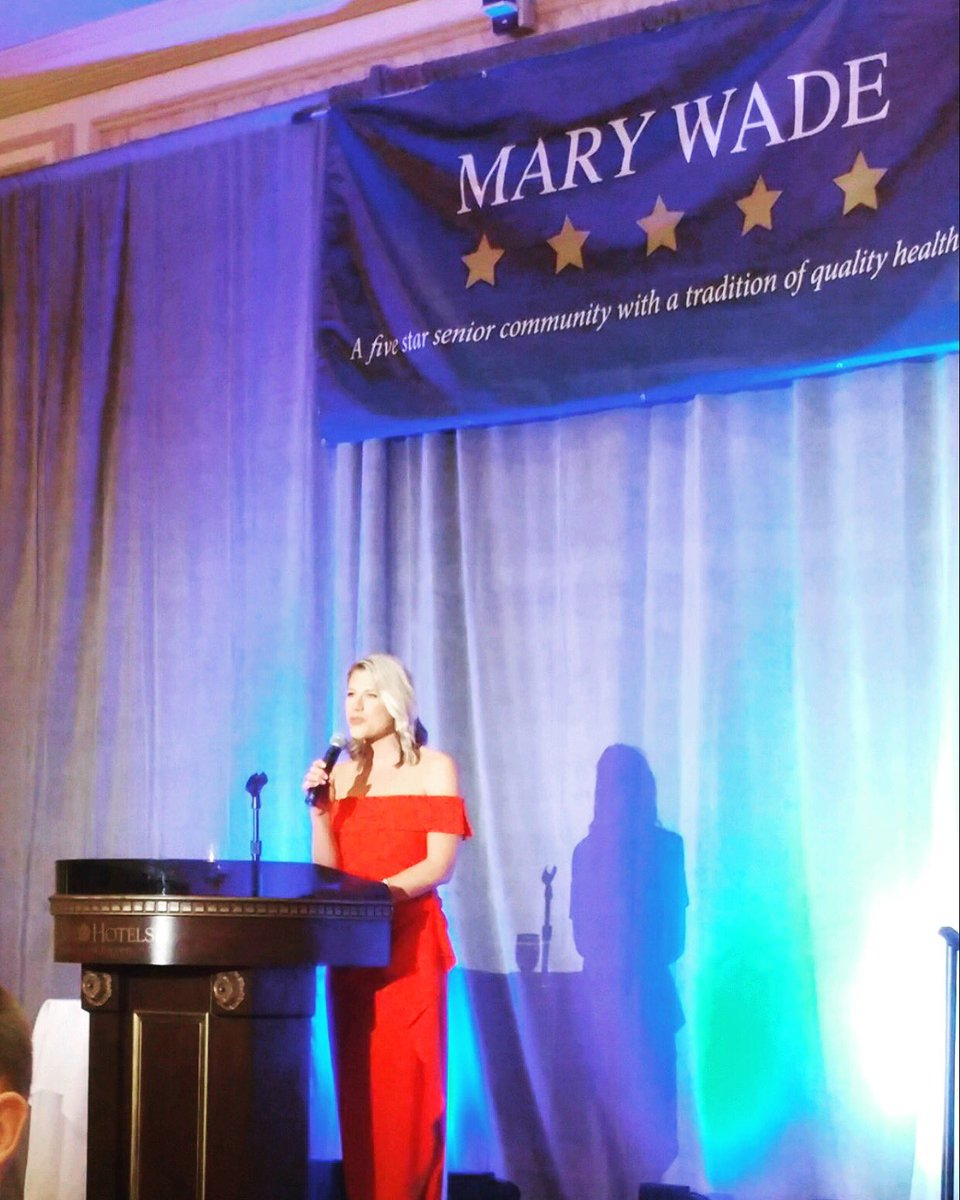 Carrying on the Hutchinson family name at #MaryWade! A proud night raising money for the care and comfort of our loved ones  @MaryWadeNH<br>http://pic.twitter.com/oKQwRHWQvV