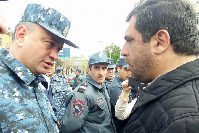 В Ереване идут аресты протестующих