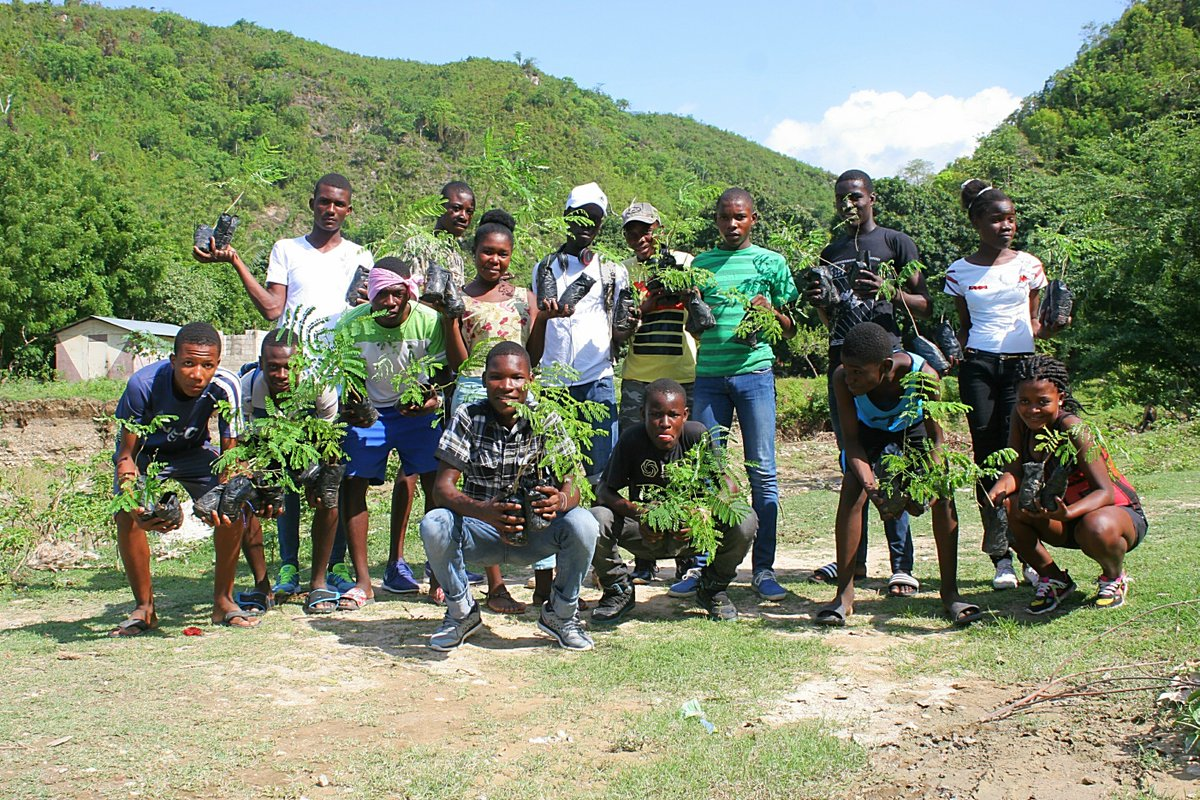 test Twitter Media - Happy #EarthDay! To celebrate 50 kids from our Bossan teams planted 200 trees in the Lakil region. These trees came from their nursery & they were proud to plant them. #nextgeneration #plantepyebwa #teamgoals https://t.co/efYerJnA06