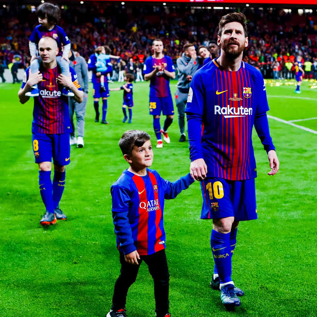 �� Más que un Club. ⚽️ Más que un equipo. �� Más que una #Copa30 ❤️ Una familia. ���� Força Barça! https://t.co/7tiuusfgB8