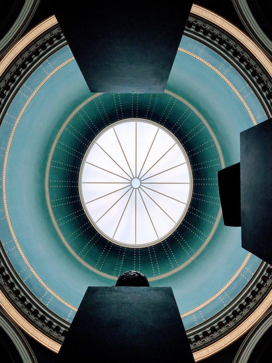 Oculus feat. @mpietropoli unsplash.com/martino_pietro…
