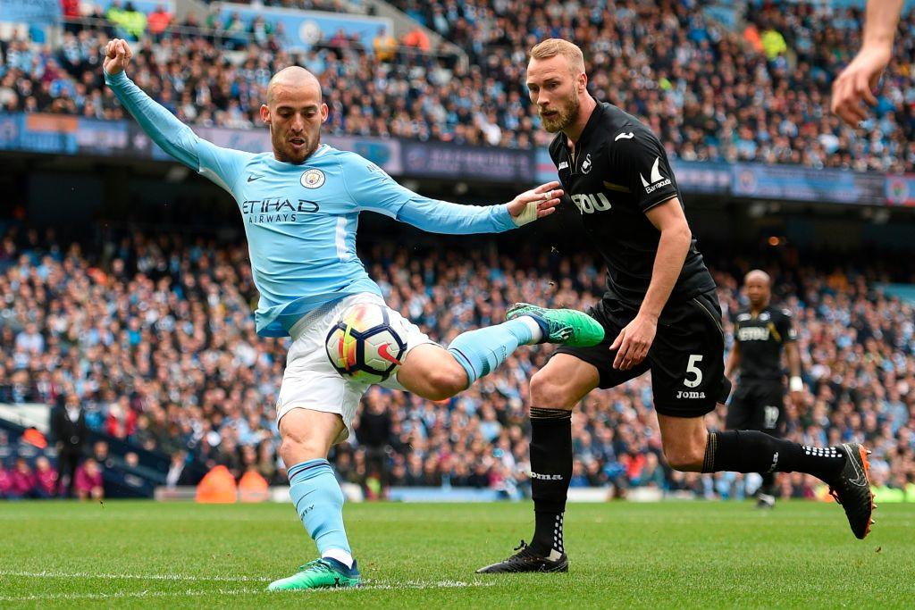 12' ⚽️ David Silva  16' ⚽️ Raheem Sterling   Man City 2-0 Swansea (25 mins)  #MCISWA