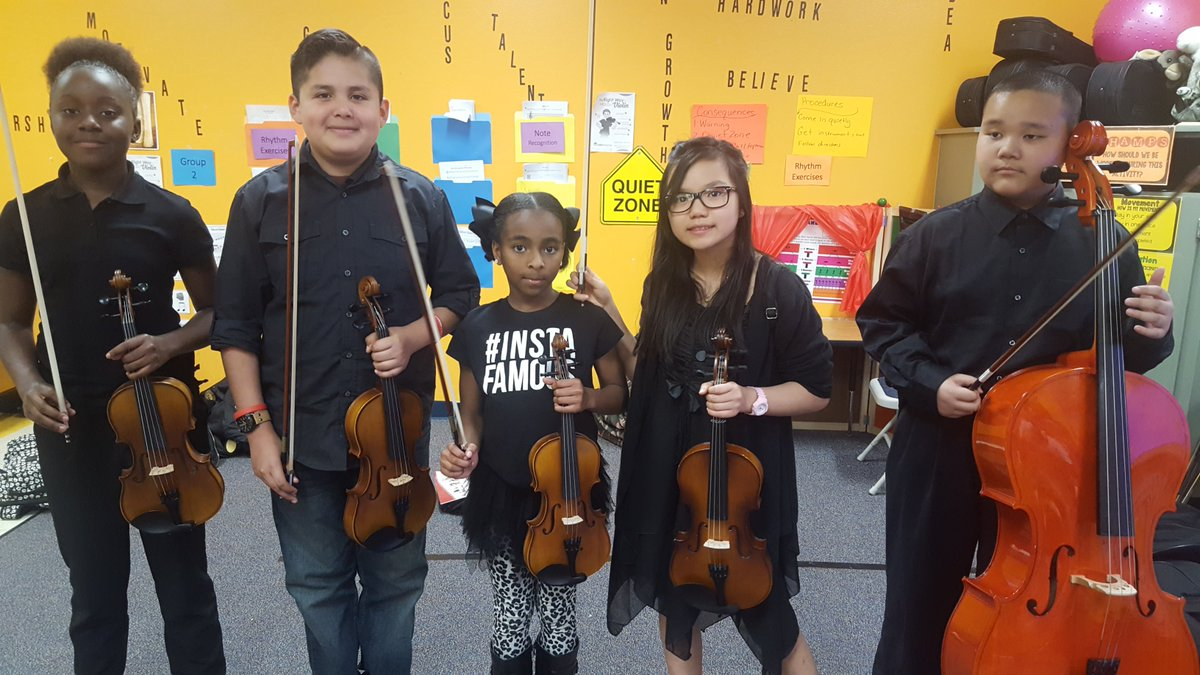 My originial 1st chairs from each section with my baby #trinityelise.  #grateful #musicliveswithin #desotoelementaryorchestra #believeinyou #fabulousfriday #lovemybabies @wrefama @desotoisdengage<br>http://pic.twitter.com/gKmM8aDbXA