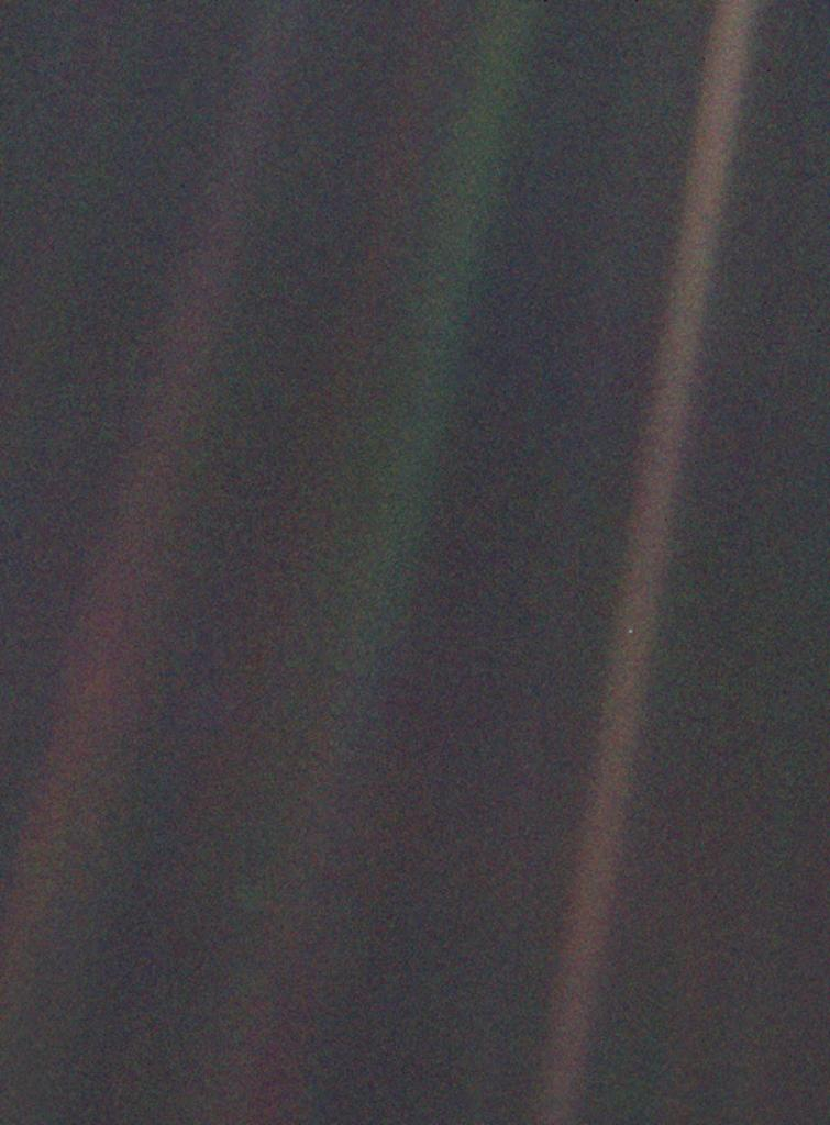 'Look again at that dot. That's here. That's home. That's us.' - Carl Sagan  Dubbed the 'Pale Blue Dot', this image is part of the 1st ever 'portrait' of the solar system taken by @NASAVoyager 1 from more than 4 billion miles from Earth: https://t.co/ig2D02JPX6 Happy #EarthDay!
