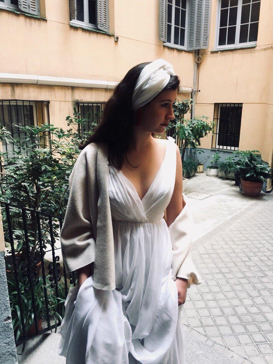 Wedding dress by @virgoindomita   #wedding #weddingdress #amedida #atelier #estilismo #fashiondesigner #fashiondesign #bandana #madrid #vestido #vestidolargo<br>http://pic.twitter.com/pKDOaE4Gl9