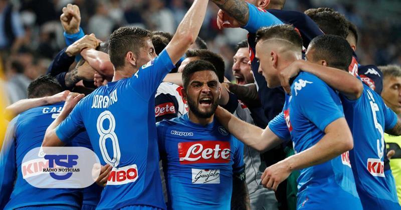 Nápoles ganha à Juventus e põe campeonato italiano a ferver https://t.co/N8HN1GtAKF Em https://t.co/MDmhqgtnSp