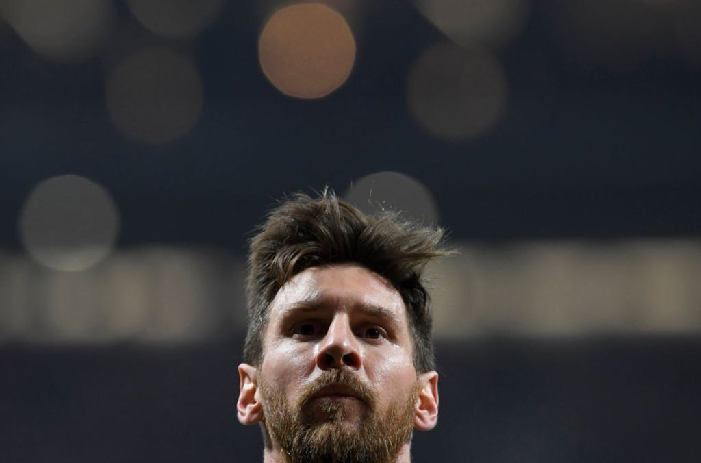 KING  #Messi #WeAreMessi<br>http://pic.twitter.com/DC4powpMnZ