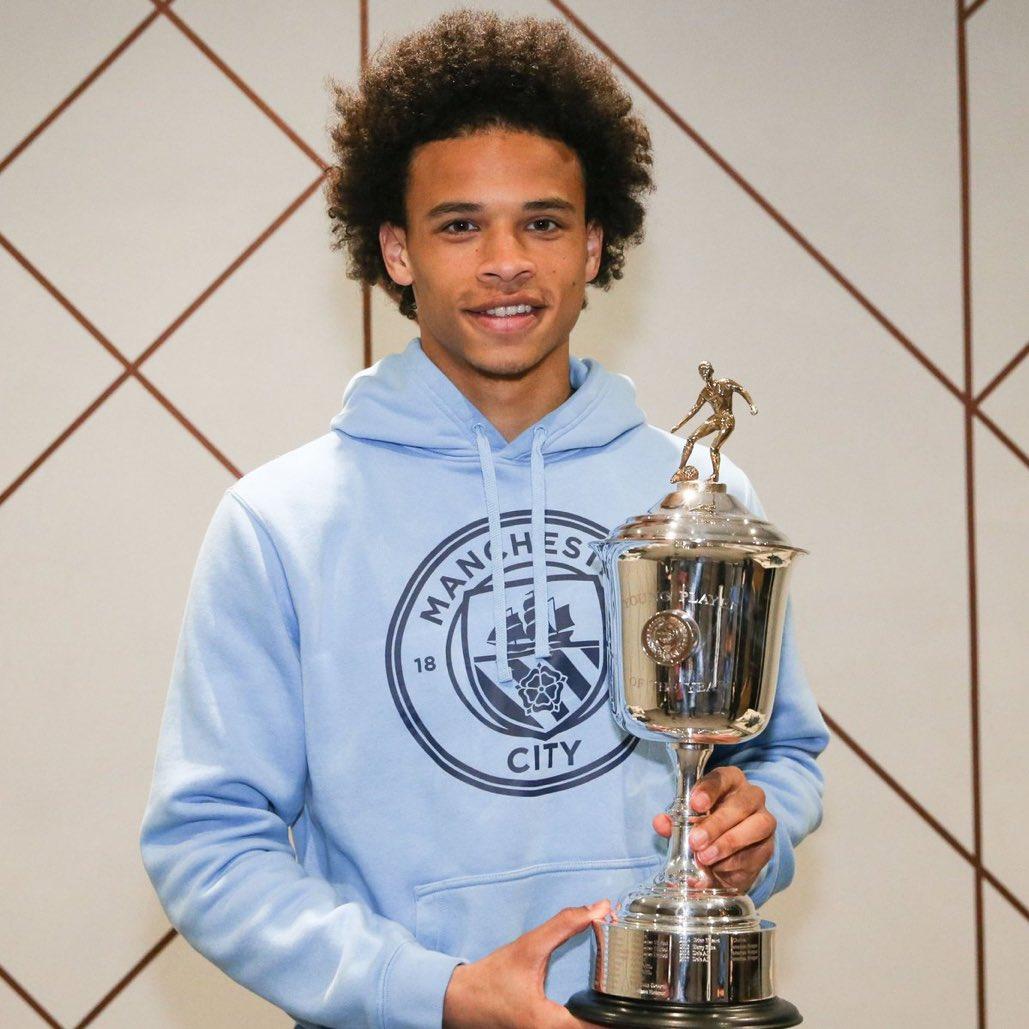 OFFICIEL !Leroy Sané est nommé meilleur jeune joueur de la saison par la PFA (équivalent UNFP en Angleterre) !Harry Kane et Rachel Sterling complètent le podium.  - FestivalFocus