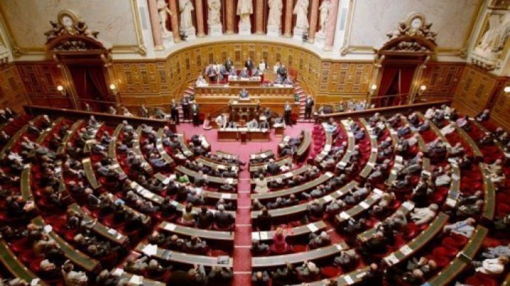 France's National Assembly passes controversial immigration bill https://t.co/ME5qNGuu1D