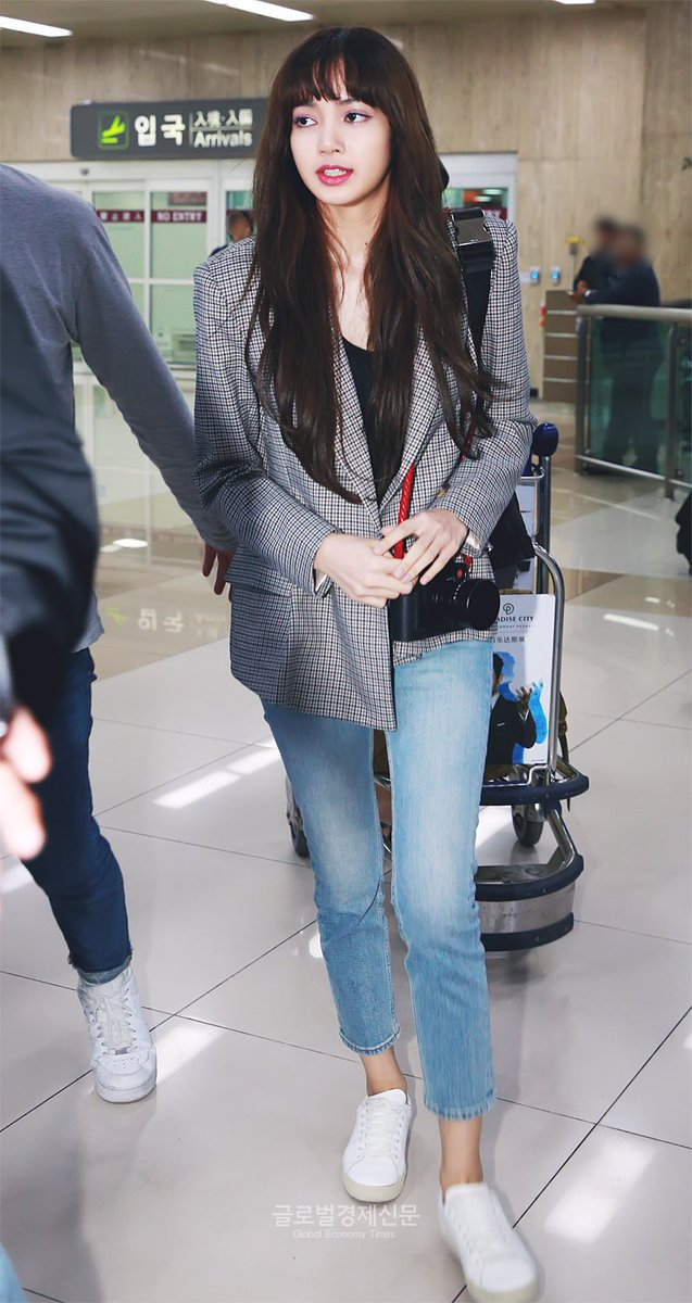 Lisa S Airport Fashion Allkpop Forums