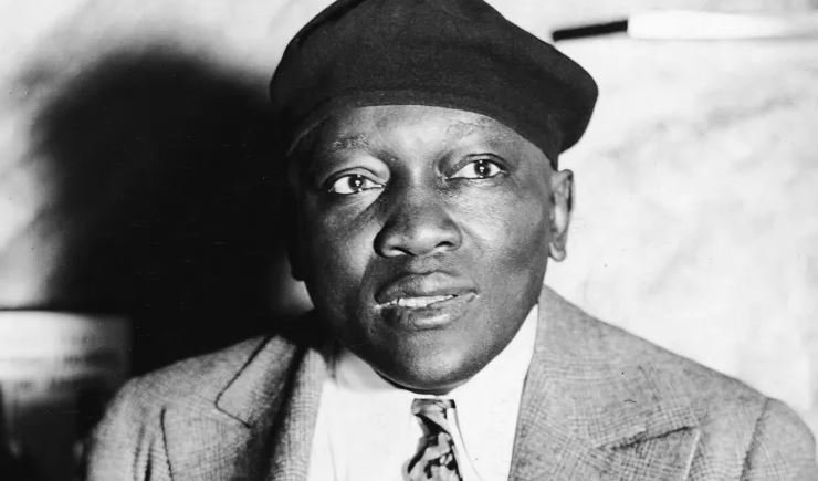 Who was Jack Johnson, the boxer who may be pardoned by @POTUS? >> https://t.co/xSHZltl0RX