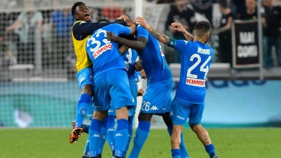 Napoli vence Juventus e esquenta a briga pelo título do Campeonato Italiano; VEJA O GOL https://t.co/Me92Zvbsvo