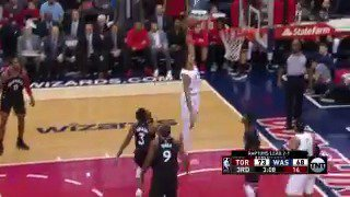 Kelly Oubre Jr. fakes and flushes it with authority!  #DCFamily @NBAonTNT https://t.co/1jkvvcU4eV