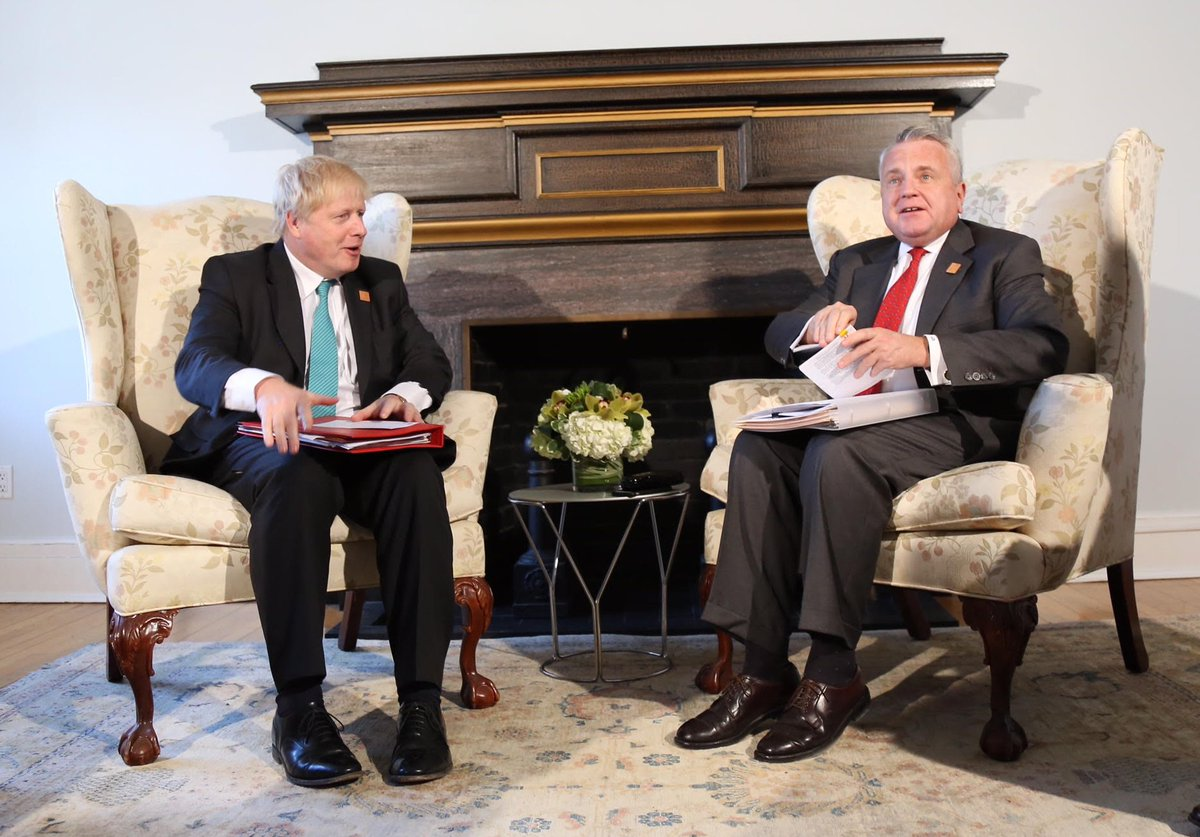 By the hallowed Middle East Oversized Chair Sitting Diplomacy score metric, BoJo gets a rank 0.3/10 here: a flabby but needy supplicant dwarf, ineffectually poised, toes inward. Debacle.